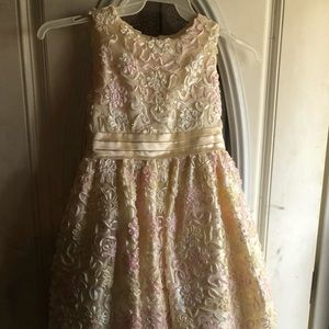 Beauitful girls formal dress NEW